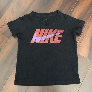 Nike Kids Graphic Logo Tee